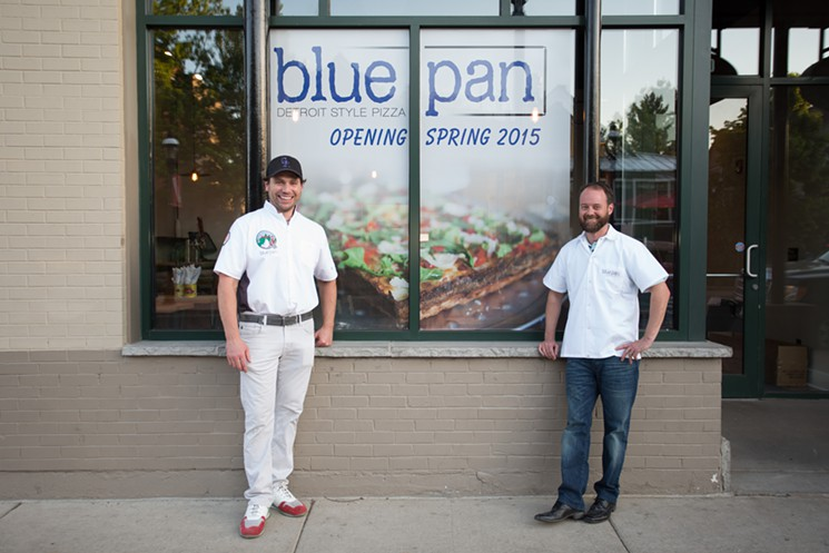 blue_pan_pizza-103